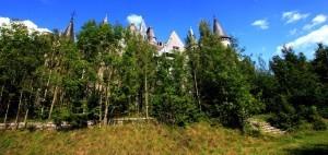 Baksidan av Miranda, numera är slottet knappt synligt på grund av all vegetation.