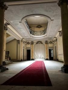Chateau Lumiere, detta är en av de två bilderna jag hann ta innan jag blev ertappad.